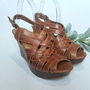 Gianni Bini Leather Wedge Sandals. 8.5